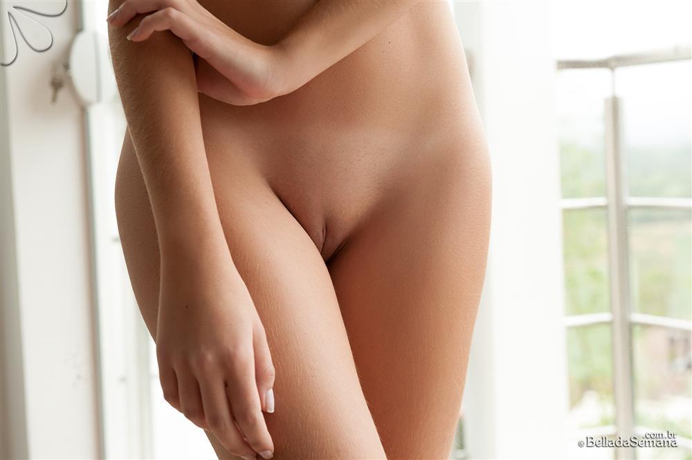 baixar Bárbara Fontenelle ninfeta de 19 anos pelada no Bella da Semana download