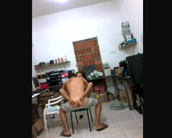 baixar Filmou comendo uma novinha na republica   Caiu na net download