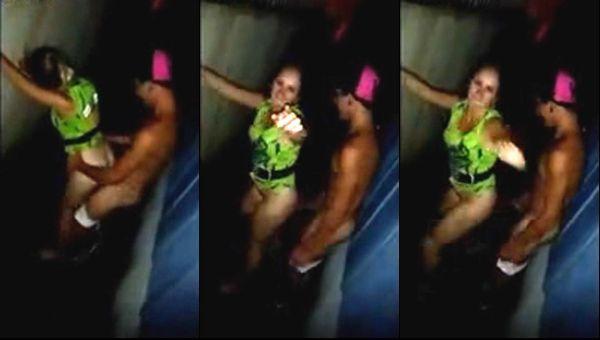 baixar Mari Santos fudendo no beco no carnaval - Chapeco-SC - Caiu na net download
